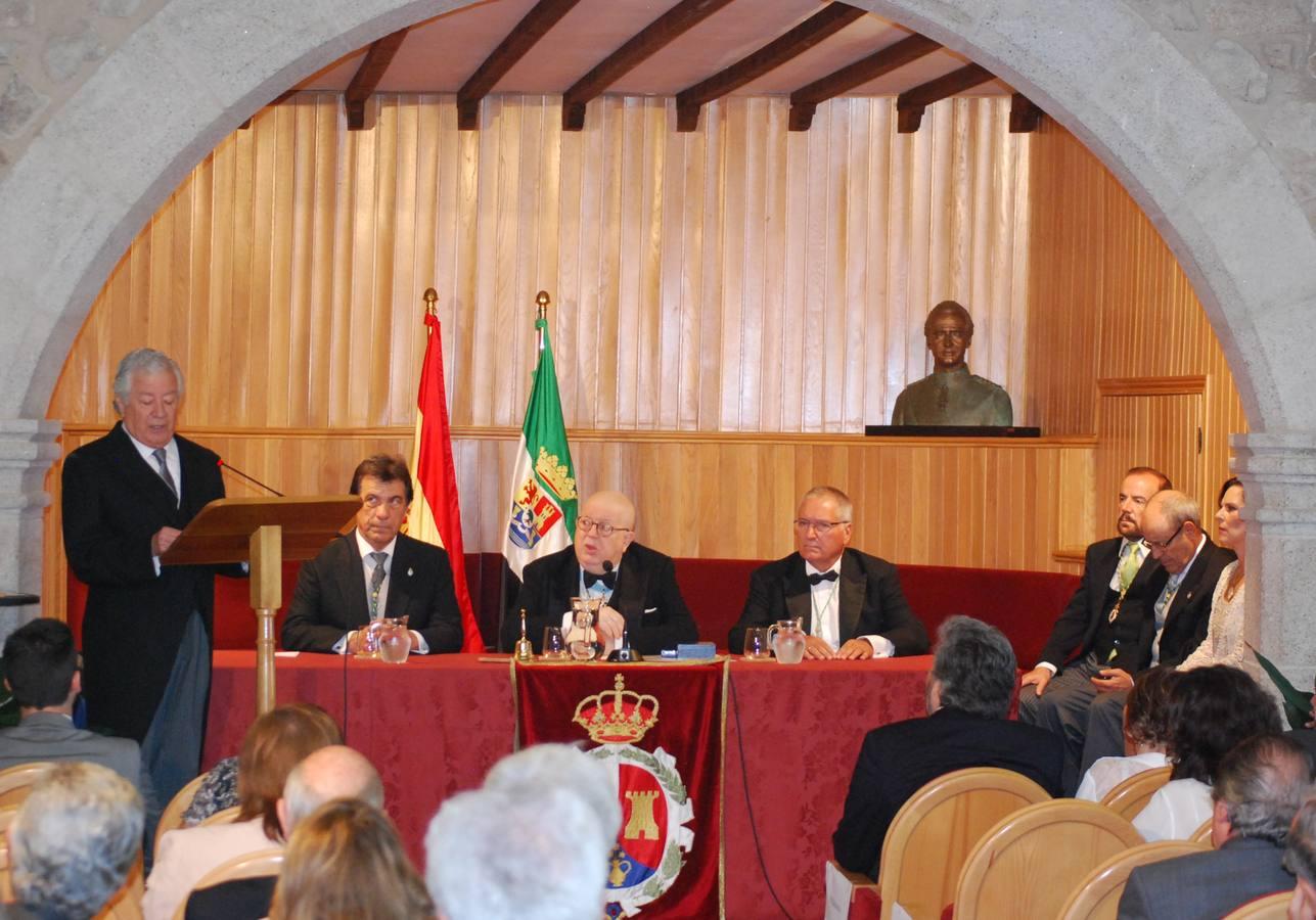 Gerardo Ayala hace su ingreso en la Academía de las Artes y las Letras de Extremadura